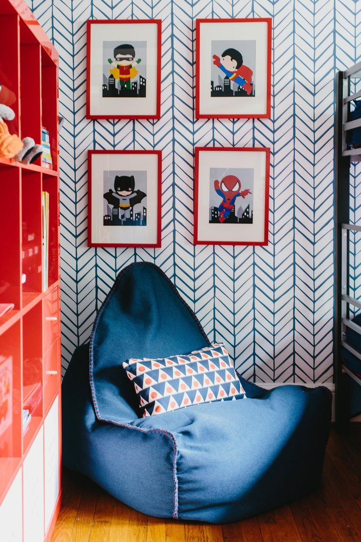 Herringbone wallpaper for a kid room