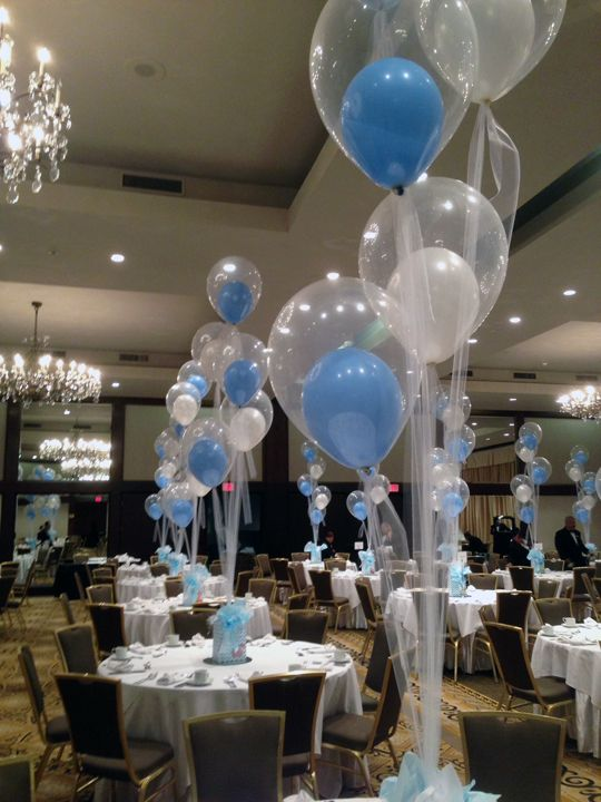 Balloons with tulle for a baby shower http www for Baby shower hall decoration ideas