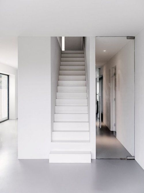 Neutral colors inside House V in Alkmaar by Dutch architects BaksvanWengerden.
