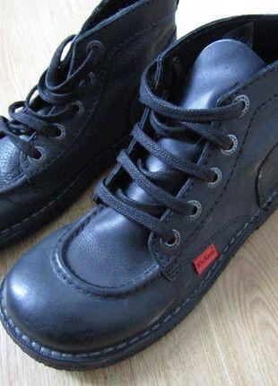 À vendre sur #vintedfrance ! http://www.vinted.fr/chaussures-femmes/bottes-and-bottines/22524670-kickers-cuir-noir