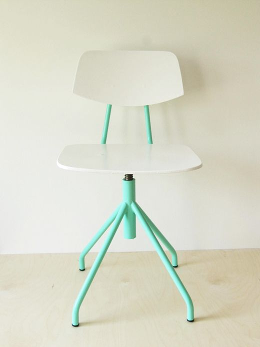 : Modern Furniture, Vintage Chairs, White Chairs, Mint Green, Desks Chairs, Furniture Arrangements, Interiors Design, Offices Chairs, Paintings Chairs