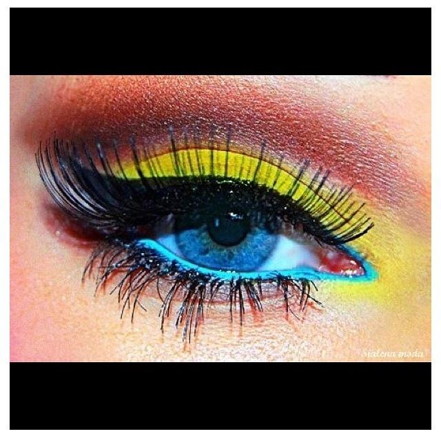 Crazy eyeshadow!!