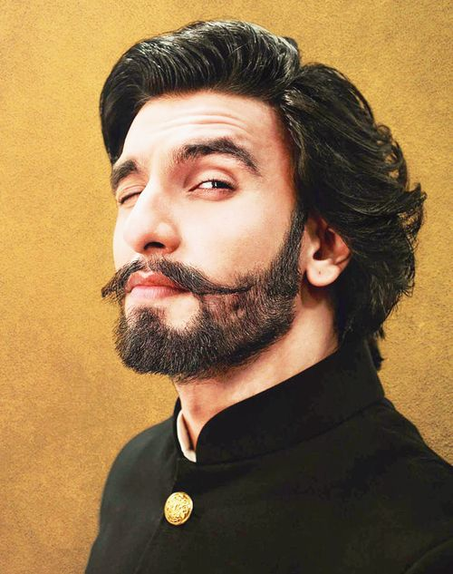 Ranveer Singh! The unexpected movie star.  Bollywood, please hire more outsiders.  This is what you get!  A diamond in the rough.