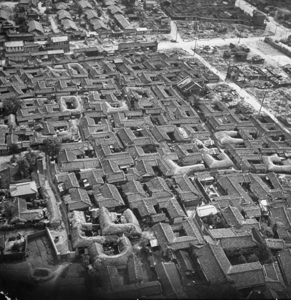 Aerial view of a section of the city. Location:	 Seoul, Korea (South)  Date taken:	 September 1951  Photographer:	 Michael Rougier