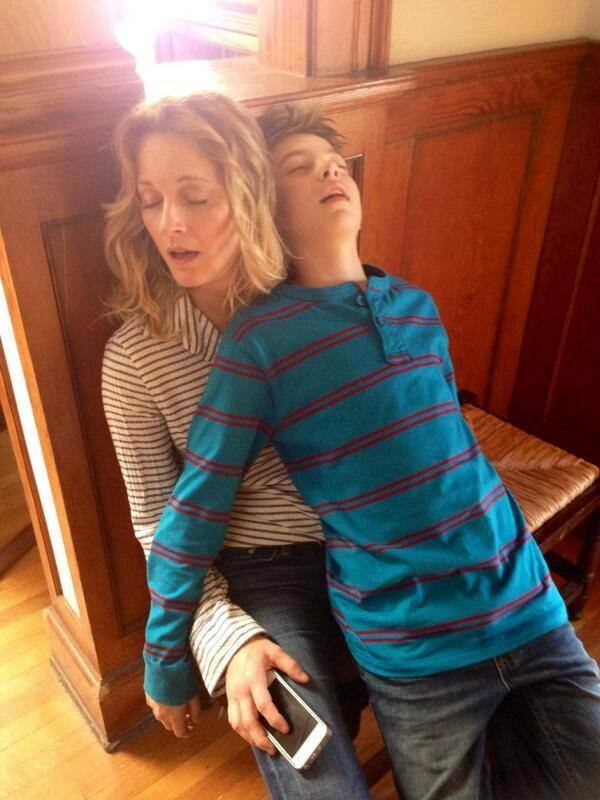 Teri and Hayden collapse after a long day of shooting The Fosters!