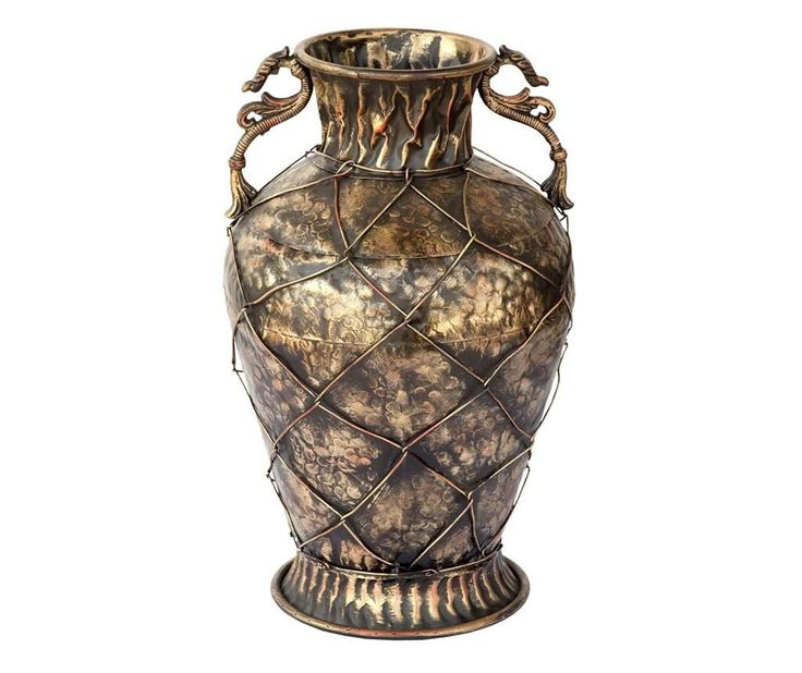 This vase will bring a vintage ambient in your home. You can find it at Vivre and you will get 4% cashback for shopping through CashOUT #cashback #vintagevase #homedeco
