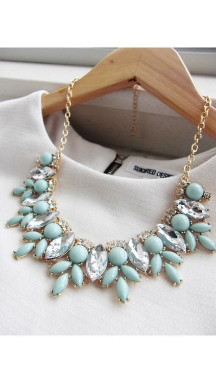 It's all about the statement necklace