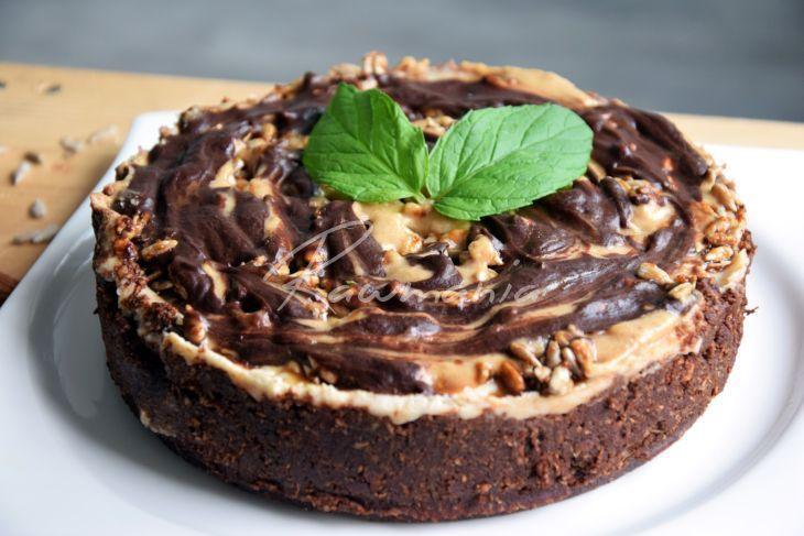 Karamelový raw koláč-dá se zmrazit a jíst jako zmrzlina