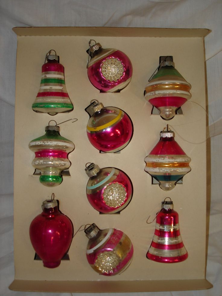 Vintage 1950's Christmas tree ornaments.