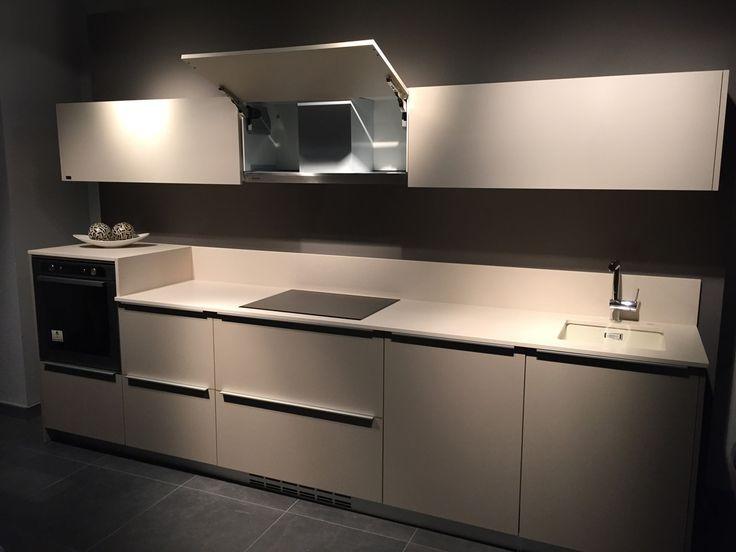 Cocina en exposici n de nuestro cliente cocinas y ba os marco de huesca con campana pando tim - Exposicion cocinas barcelona ...