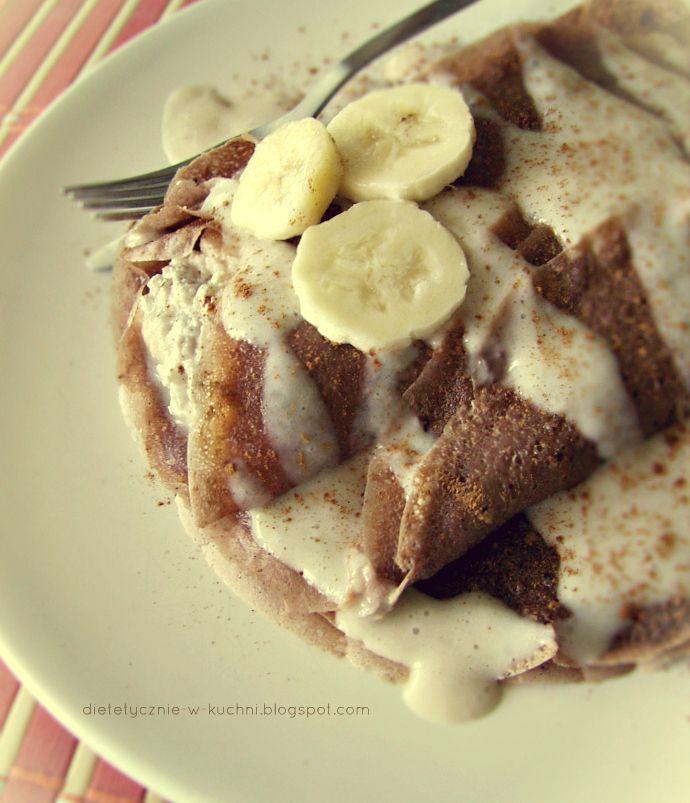 Moje Dietetyczne Fanaberie: Kakaowe naleśniki z sosem bananowym