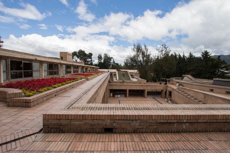 Facultad de Ciencias Humanas de la Universidad Nacional de Colombia, Bogotá | Arq. Rogelio Salmona 1995 4