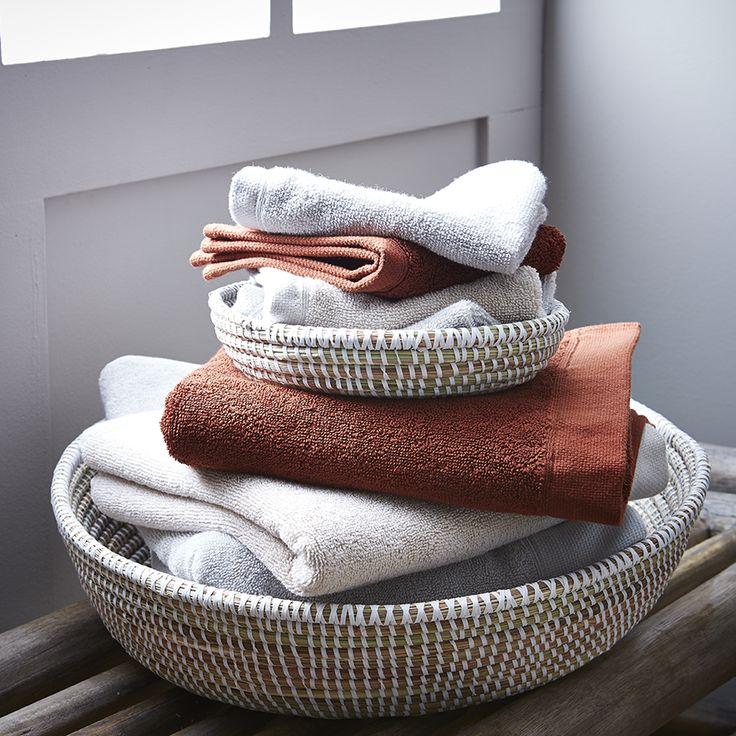 139 best la salle de bain images on pinterest bathroom for Salle de bain towels