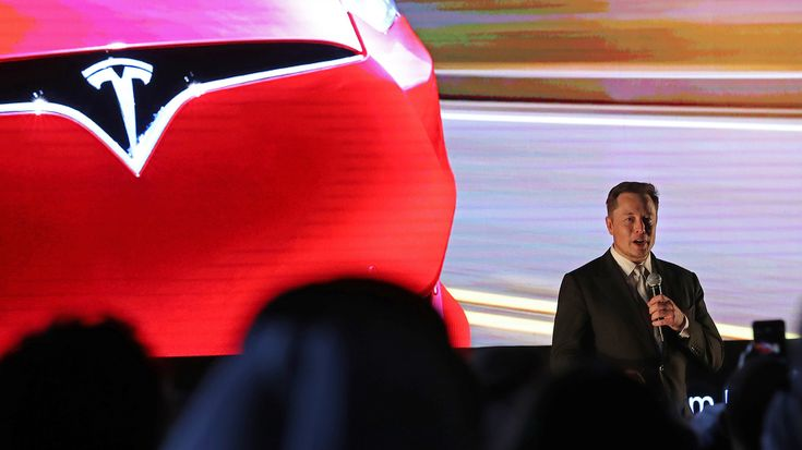 CAs On/Off Road | Elon Musk: Self-driving Teslas will go between LA and NYC by the end of the year