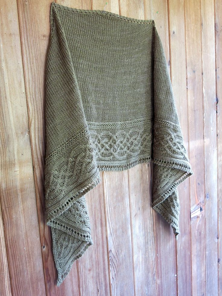 Celtic Myths Shawl By Asita Krebs - Free Knitted Pattern - (ravelry) stunning