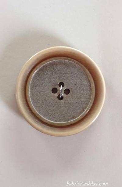 Tan button with border