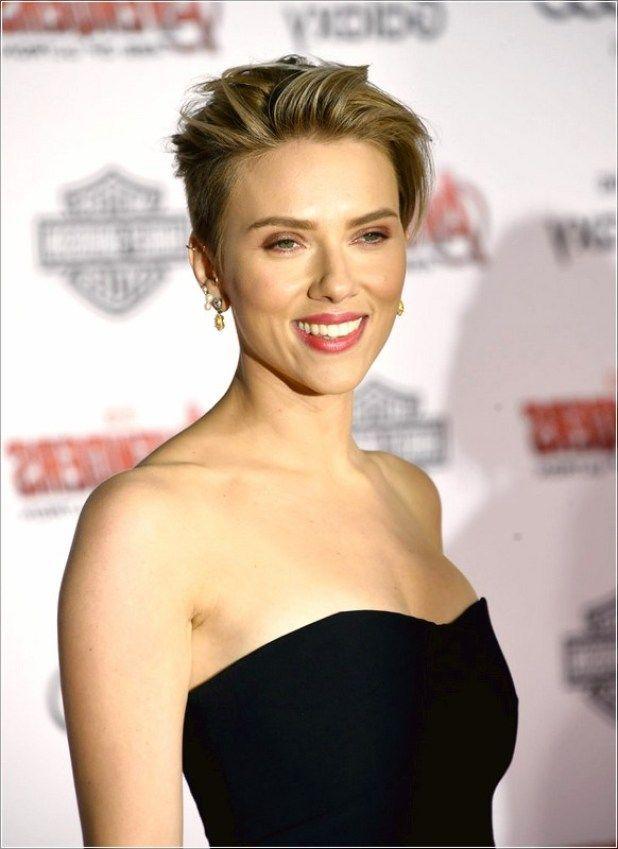 Scarlett Johansson Kurze Haare Hochsteckfrisur Scarlett Johnansson Kurze Haare In 2020 Short Hair Updo Celebrity Hairstyles Updo Short Hair Styles
