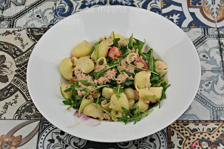 Pasta-tonijnsalade onder de 450 kcal van foodensomuchmore.nl