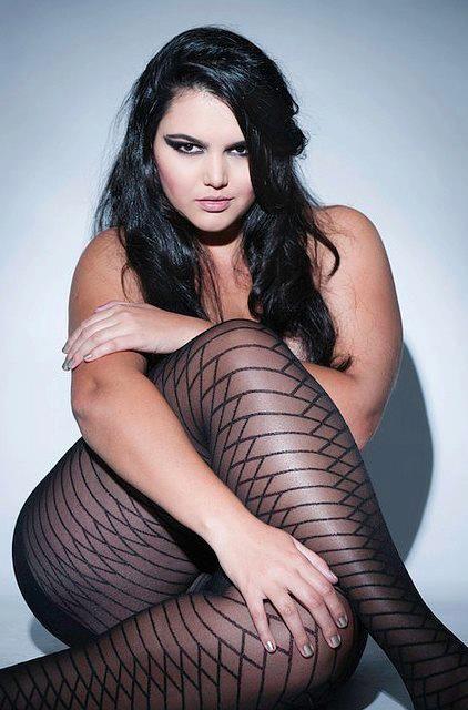 Cleo Fernandes.Mag Ich, Cleo Fernand, Curvy Girls, Curvy Women, Beautiful, Das Mag, Curvy Boudoir, Curves, Plus Size Women