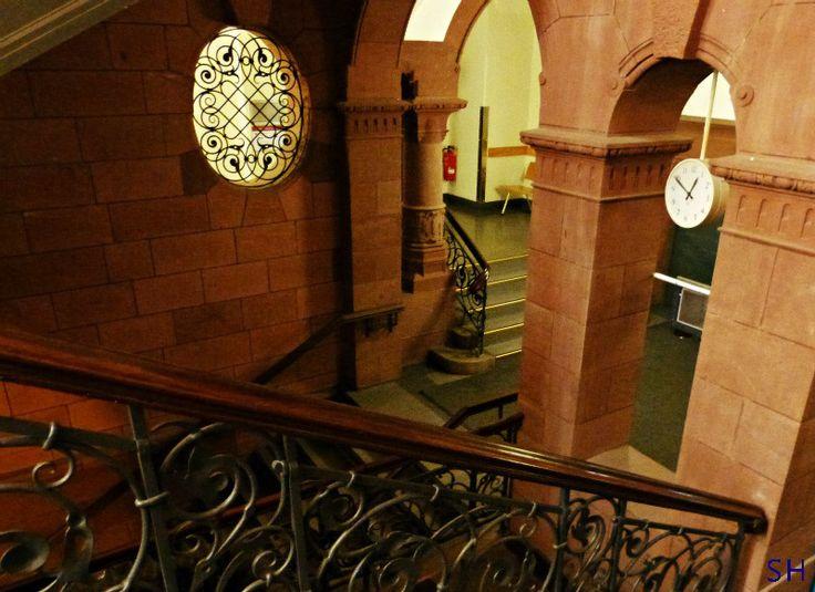 Amtsgericht Hamburg Altona stairs - Standort Hamburg