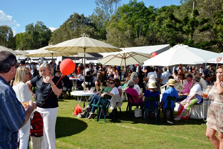 Queensland Bucket List | 5. Rub shoulders with your favourite master chefs and taste your way through the Noosa International Food & Wine Festival.