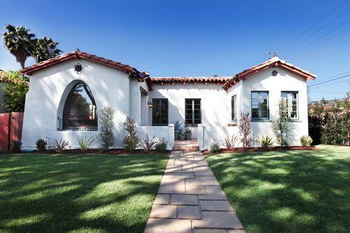 Dream home l a spanish bungalow homey pinterest for Spanish bungalow exterior paint colors