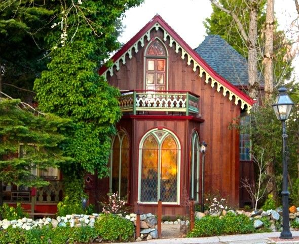Gorgeous Victorian Cottage in Nevada City, CA, USA.