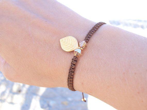 Dangly golden leaf macramé bracelet in chocolate brown with golden Swarovski crystals