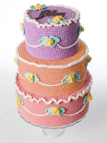 Amigurumi Food: Cake ~ Free Crochet Pattern PDF File here: http://www.yarnspirations.com/assets/files/pattern-files/%5Bnode%3Aid%5D/pdf/en/WEB-L-SnC-LetThemEatCake-ENG.pdf