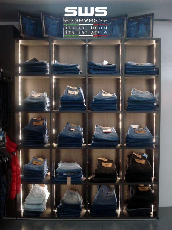 A tutto jeans: da Essewesse il denim che non passa mai di moda!  Vieni a scoprire dove - Find a store su https://www.essewesse.it/it/page/findastore.html  #essewesse #sws #denim #jeans #musthave #modauomo