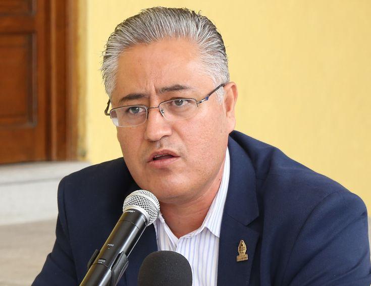 """""""No me interesa administrar el infierno, yo no quiero ser gobernador"""": Alejandro Vera, rector de la UAEM"""