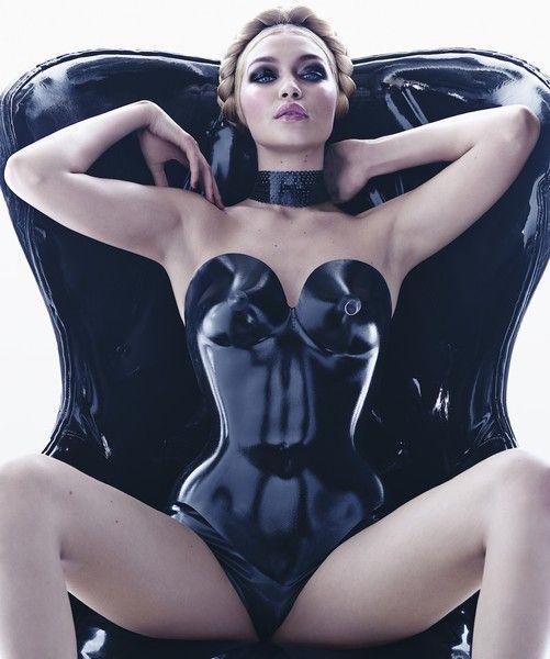 Джиджи Хадид сейчас очень востребована как модель
