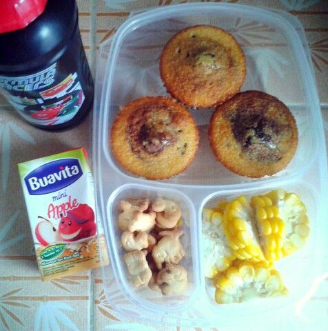 Attar's lunch box (10SEP15) : black bottom cupcakes, biscuits, boiled sweet corn, apple juice and mineral water.  So Happy It's Thursday! Xxx