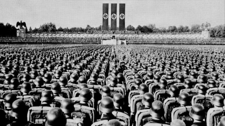 El triunfo de la voluntad (en alemán, Triumph des Willens) es una película propagandística nazi dirigida por Leni Riefenstahl. Muestra el desarrollo del congreso del Partido Nacionalsocialista en 1934 en Núremberg. Se estrenó en 1935 y es una de las películas de propaganda más conocidas de la historia del cine.