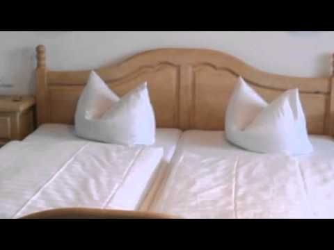 Hotel Am Wald - Elgersburg - Visit http://germanhotelstv.com/am-wald-elgersburg Set in the scenic Thuringian Forest this 3-star hotel in the village of Elgersburg offers a sauna a spacious garden and traditional German food. -http://youtu.be/DLcOOkxhNJY