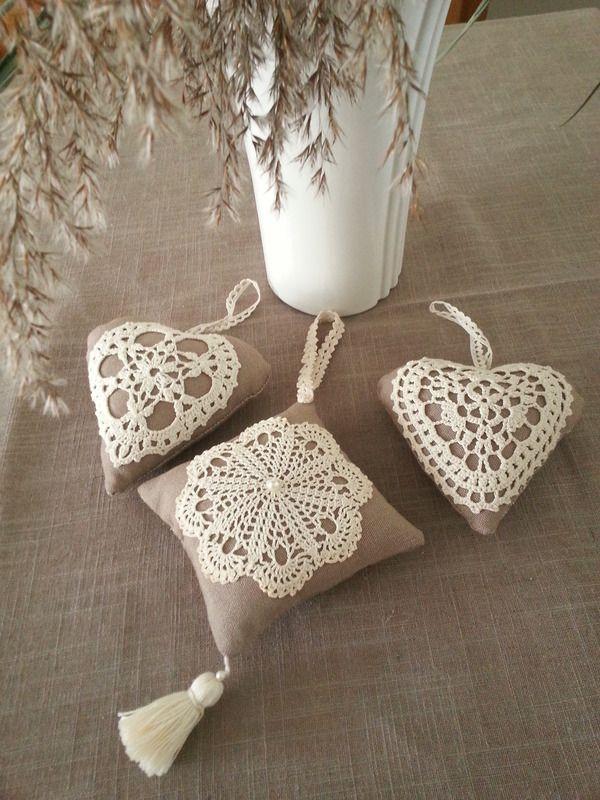 Coussins de porte crochet - miniatures et petits objets - les petits fils de Marie - Fait Maison ༺✿Ƭeresa Resteguiღ✿༻