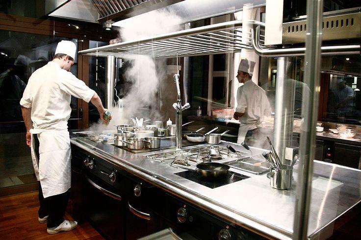 AND opera nel settore delle attrezzature alberghiere, offre sistemi di cottura professionali, forni, impianti di aspirazioni industriali, attrezzature per il lavaggio ed accessori.#attrezzaturealberghiere