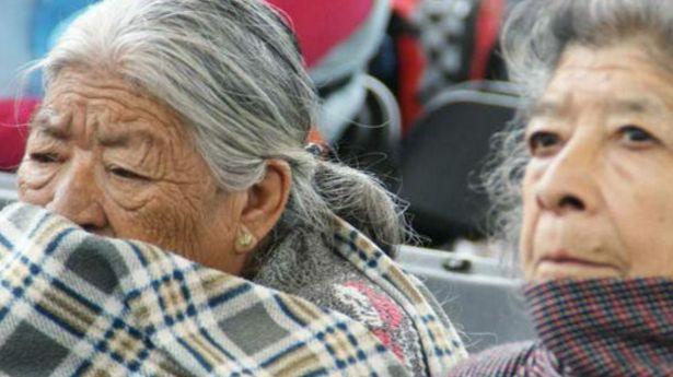 Piden a adultos mayores tomar medidas ante descenso de temperatura