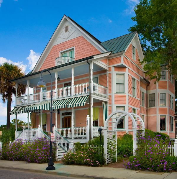 An old-house B inn in Beaufort, South Carolina.