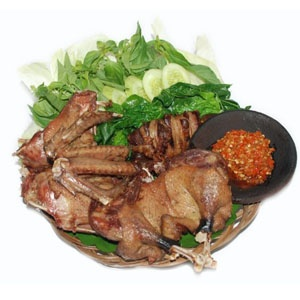 bebek goreng haji slamet!   super yum duck with hot sambal!!