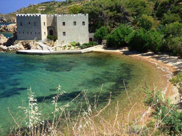 Loukakia beach, Agios Nektarios Hermitage