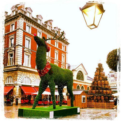 Natale a Londra: ecco le date 2015 con le accensioni delle luci natalizie nelle principali strade e piazze di Londra.