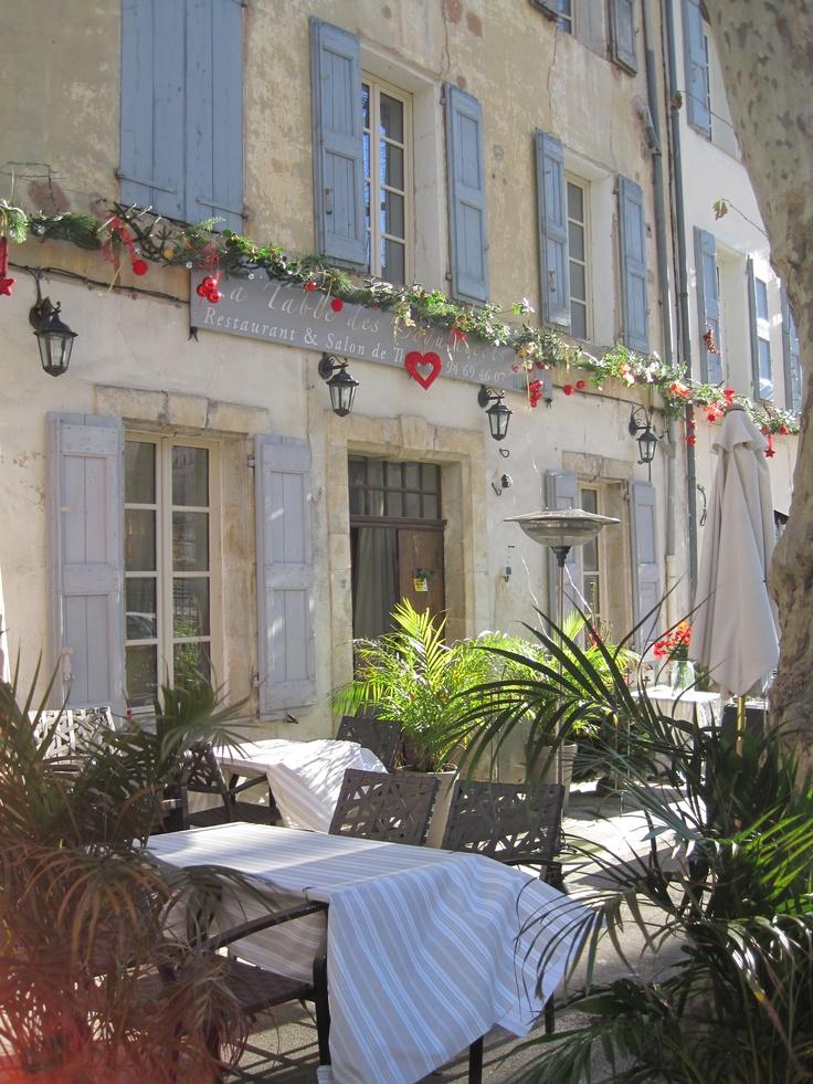 Blue on stone La Table de Coquelicots, Cotignac