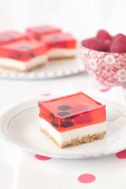 Strawberry Jelly Cheesecake - a no-bake cheese cake that is super easy to make and even easier to impress your guests with....