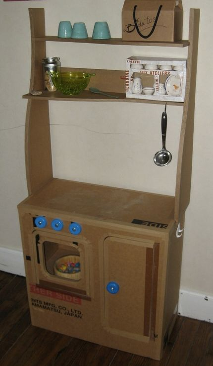 kitchen set made of cardboard, from the website upcycle us