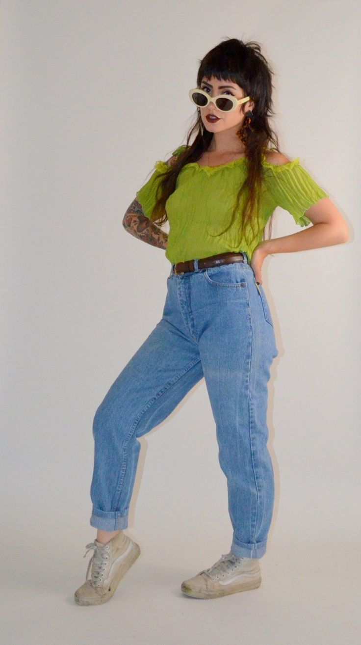 how to measure waist for high-rise jeans