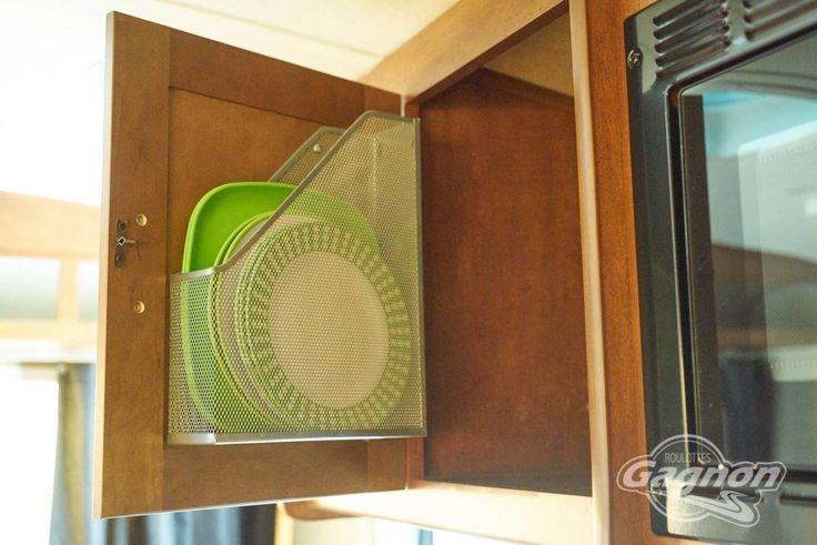 Truc rangement vaisselle roulotte deco cuisine pinterest - Astuce rangement camping car ...