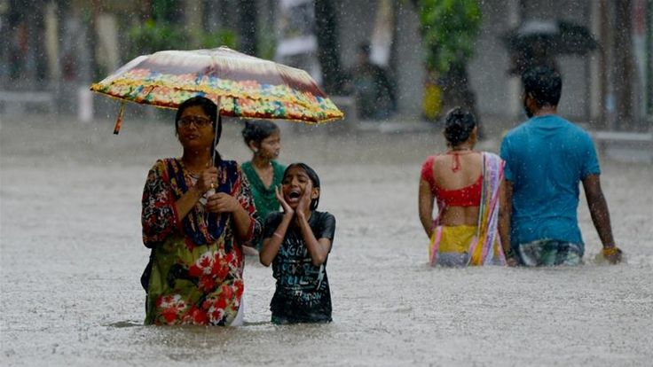 Mumbai Floods Uber Ola Drop Surge Pricing Offer Free Pool Rides - NDTV #757Live