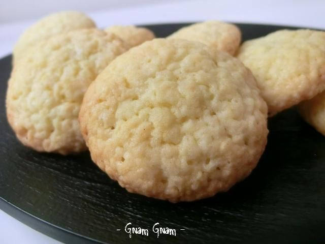 Biscotti di pasta frolla allo yogurt | Ricetta senza burro
