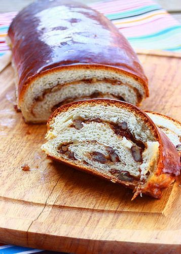 Potica / Slovenian Nut Roll Recipe (The Cooking Bride)
